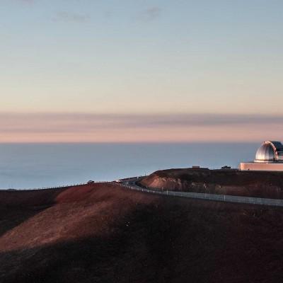 Das Observatorium am Mauna Kea beherbergt 9 optische Teleskope, 3 für den Submillimeterbereich und ein Radioteleskop