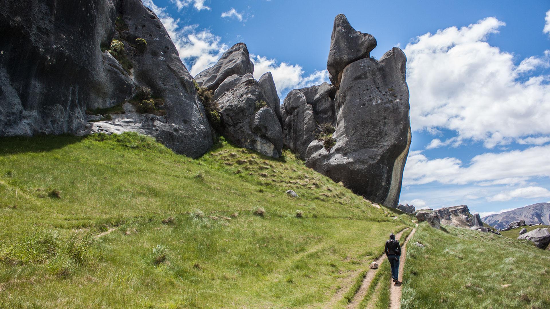 In Castle Hill, westlich des Arthur Pass liegen Hunderte von Kalksteinfelsen