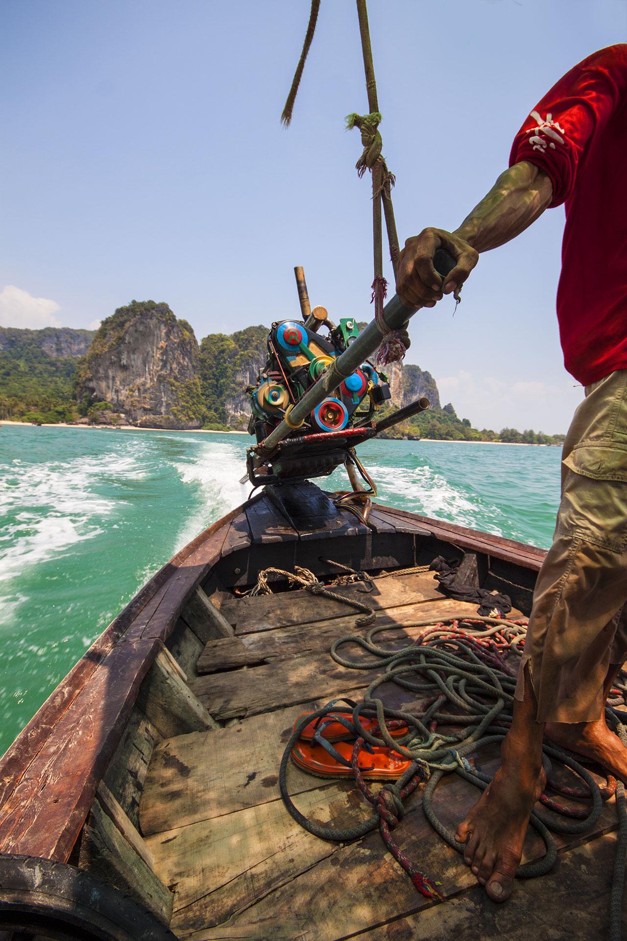 ... geht es per Longboat-Taxi weiter Richtung Bangkok.