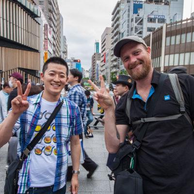 Eiji, den wir an einer sehr kalten Winternacht mal in München kennengelernt hatten, zeigt uns sein Tokyo.