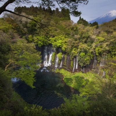 Fuji mit Wasserfall